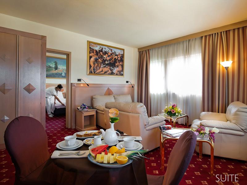 Hotel in tirrenia by the sea grand hotel continental
