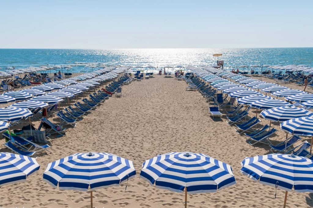 Beach bagno mary grand hotel continental